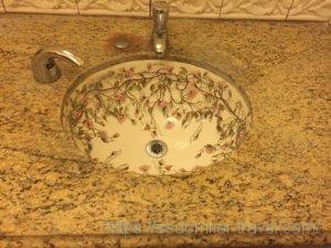 LE VILLAGE BUFFET(ル ビレッジ バッフェ)内のトイレの洗面台